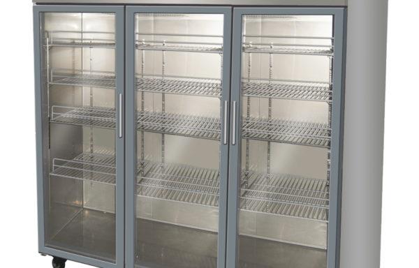 Refrigerador vertical 1500 Lts. 3 puertas de vidrio.